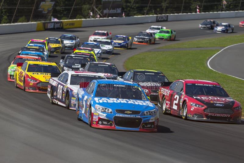 NASCAR 2013 :  Sprint tasse série GoBowling.com 400 4 août photos stock