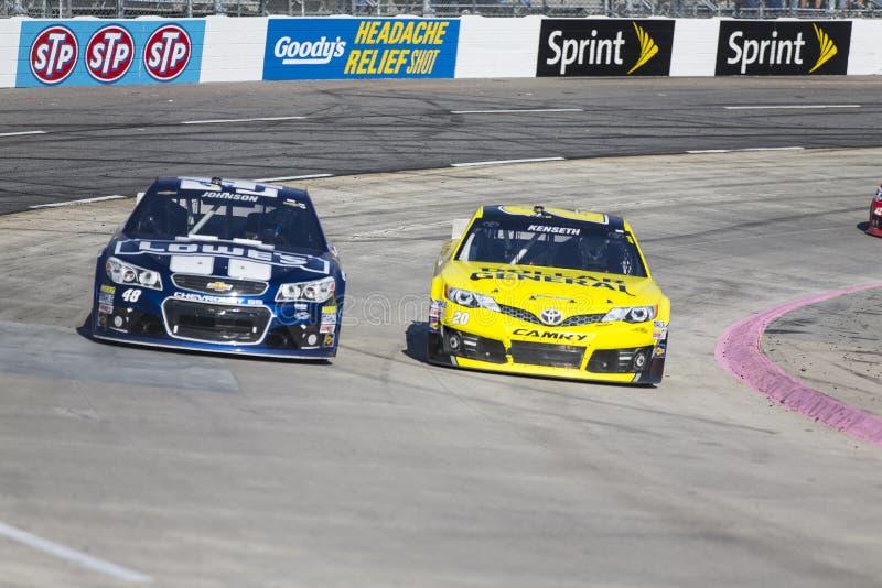 NASCAR 2013:  Sprinta koppserieGODBITENS LÄTTNAD för HUVUDVÄRK SKÖT 500 arkivfoto