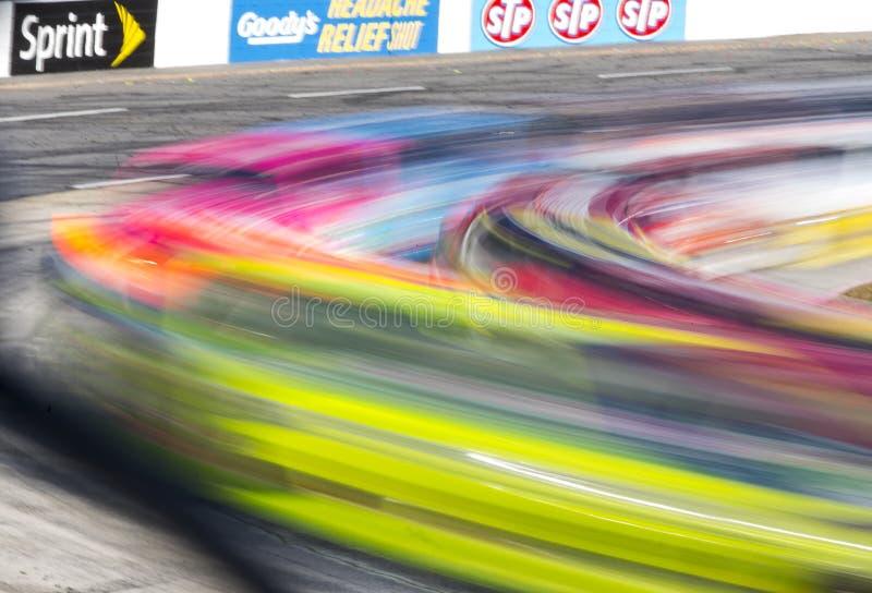 NASCAR 2013:  Sprinta koppserieGODBITENS LÄTTNAD för HUVUDVÄRK SKÖT 500 arkivbilder