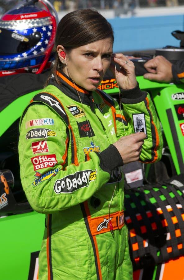 NASCAR sprintar koppen och rikstäckande Danica Patrick royaltyfria foton