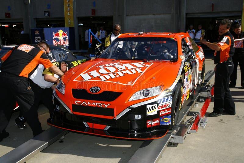 NASCAR toda a inspeção da raça da estrela para Stewart imagens de stock royalty free