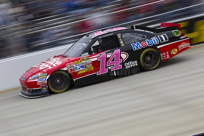 Download NASCAR: Tony Stewart On Track At Dover Editorial Photo - Image: 21435881