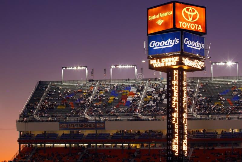 NASCAR - Torre de contabilização do estrada de motor de Charlotte foto de stock