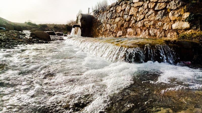 Nascente de água argélia fotos de stock