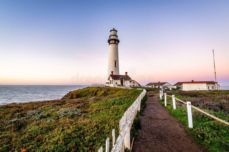 Nascer do sol ao longo da costa de Califórnia foto de stock royalty free