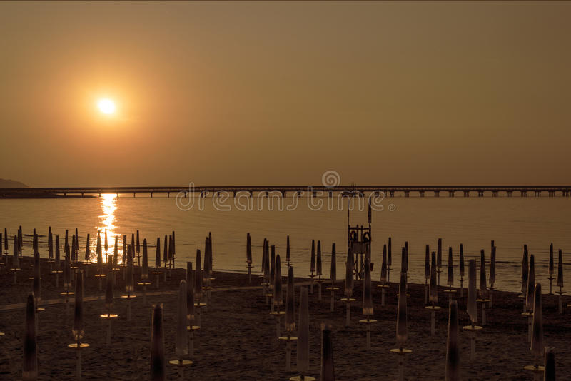 Nascer do sol ao mar de Gargano imagem de stock royalty free
