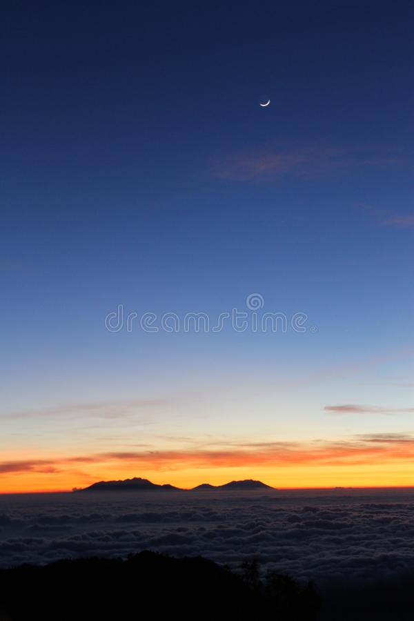 Nascer do sol bonito em Bromo Tengger Semeru fotografia de stock royalty free