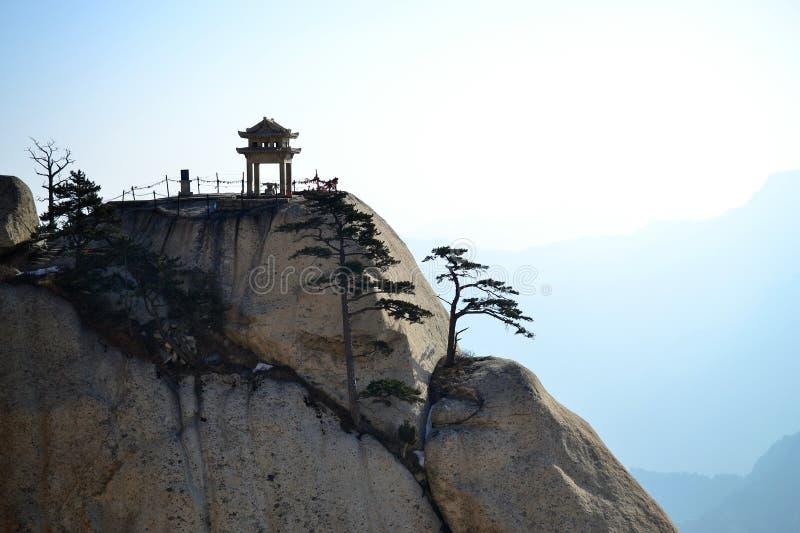 Nascer do sol bonito no ano novo na montanha de Huashan, Shaanxi, China fotos de stock