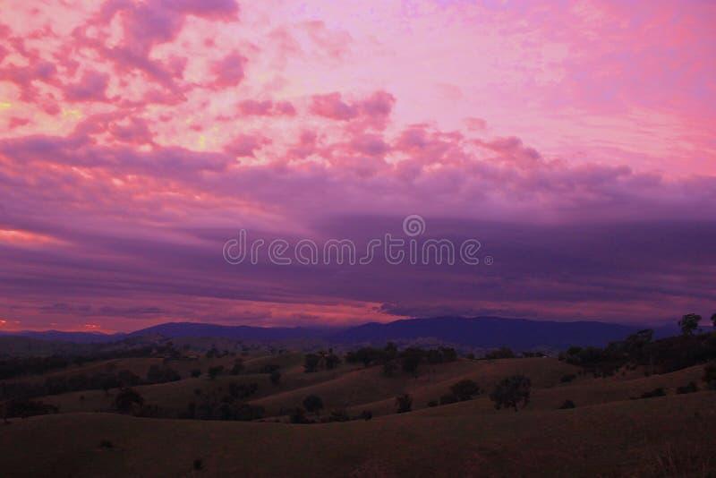 Nascer do sol 1 do campo do vale do Acheron fotos de stock royalty free