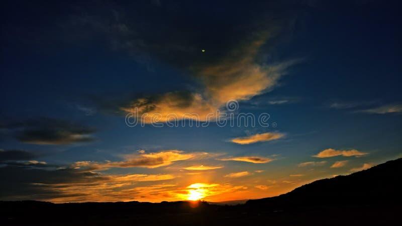 Nascer do sol colorido fotografia de stock royalty free
