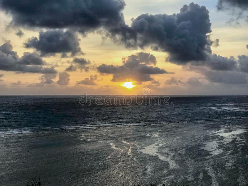 Nascer do sol, costa norte, Kauai, Havaí, EUA fotografia de stock royalty free