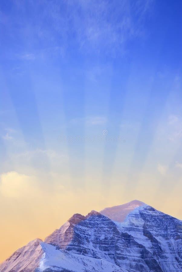 Nascer do sol da montanha imagem de stock royalty free