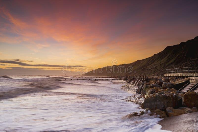 Nascer do sol da praia de Mundesley fotografia de stock