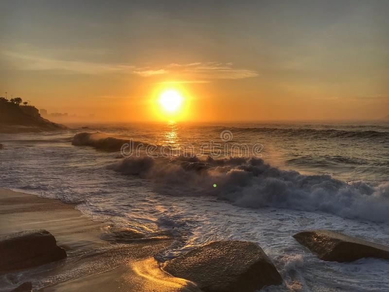 Nascer do sol da praia fotos de stock royalty free