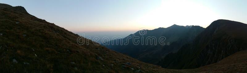 Nascer do sol das montanhas foto de stock royalty free