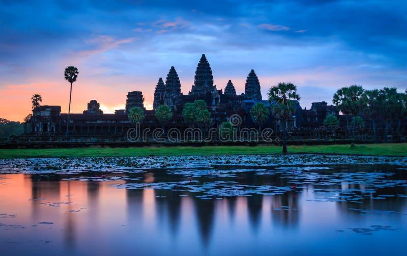 Nascer do sol de Angkor Wat imagem de stock