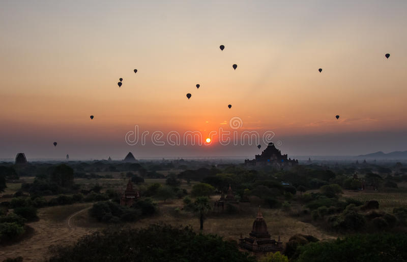 Nascer do sol de Bagan fotografia de stock royalty free