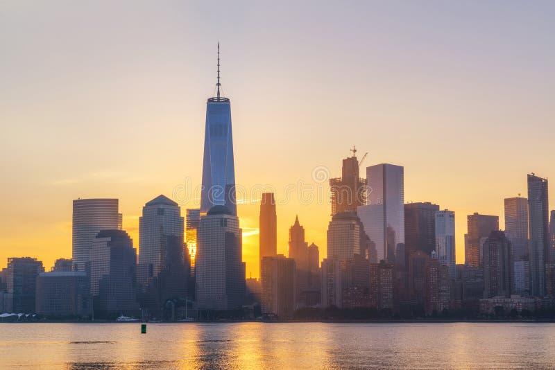 Nascer do sol de Freedom Tower imagem de stock