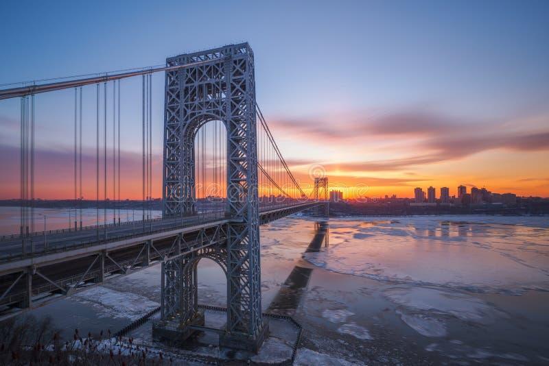 Nascer do sol de George Washington Bridge fotografia de stock royalty free