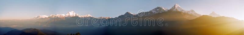 Nascer do sol de Himalaya, Nepal imagem de stock