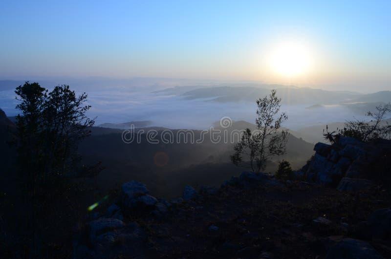 Nascer do sol de Monteseel fotos de stock royalty free
