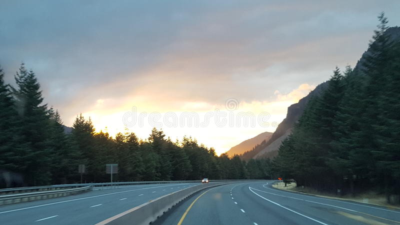 Nascer do sol do desfiladeiro do Rio Columbia fotografia de stock royalty free