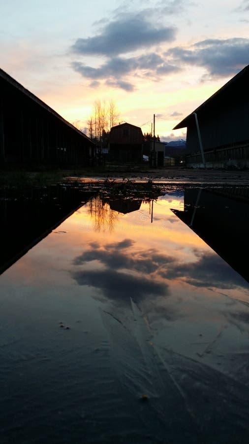 Nascer do sol do espelho fotografia de stock royalty free