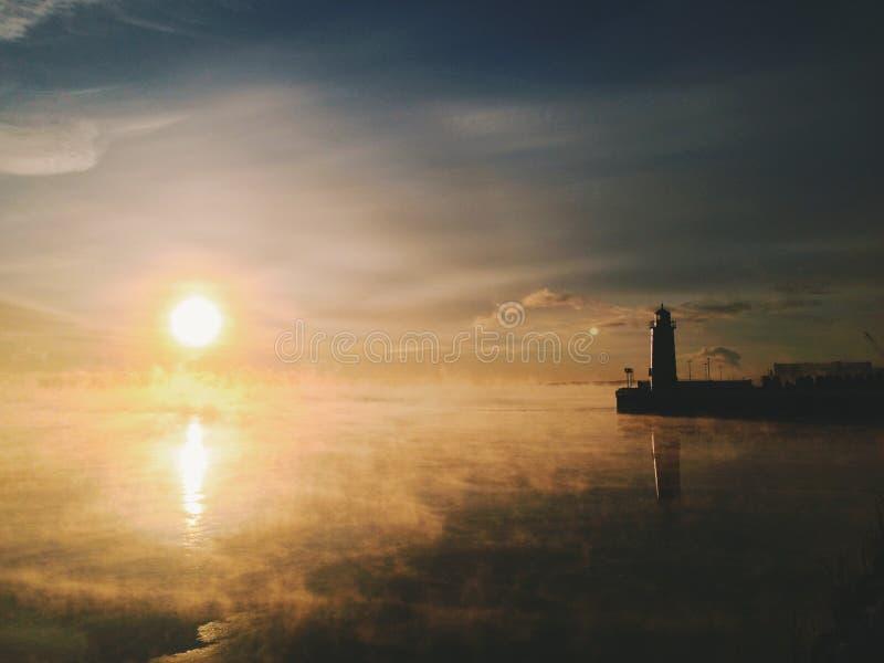 Nascer do sol do inverno em Milwaukee fotos de stock royalty free