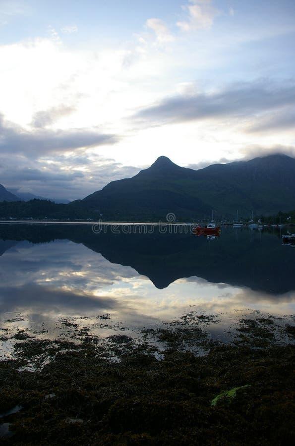 Nascer do sol do Loch imagens de stock