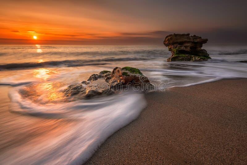 Nascer do sol do mar fotos de stock