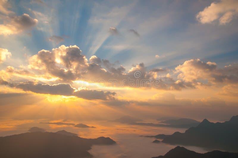 Nascer do sol do por do sol da paisagem imagens de stock royalty free