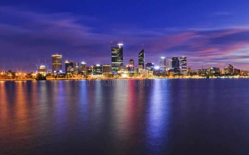 Download Nascer Do Sol Do Rio De Perth CBD Foto de Stock - Imagem de ainda, moderno: 65578210