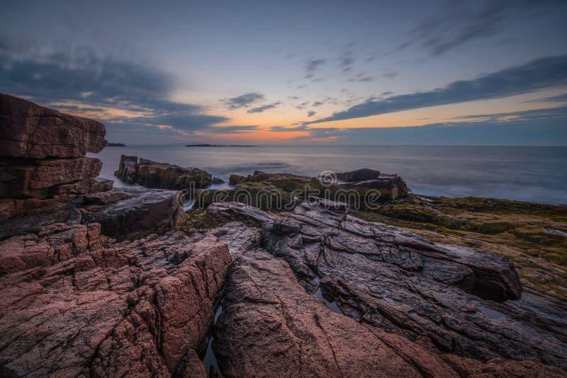 Nascer do sol do Seascape no parque nacional do Acadia fotografia de stock