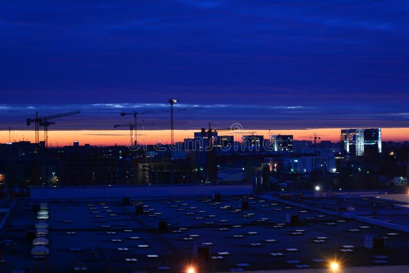 Nascer do sol em Bucareste imagens de stock