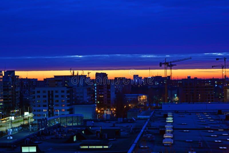 Nascer do sol em Bucareste fotos de stock royalty free