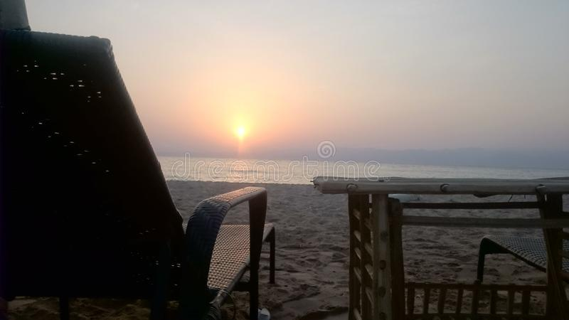 Nascer do sol em Dahab em Sinai Egito fotos de stock