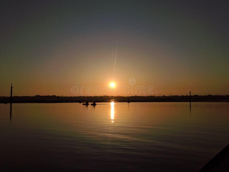 Nascer do sol em dos Reis de Angra fotos de stock