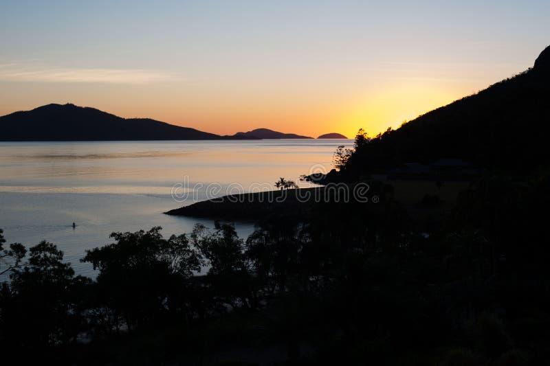 Nascer do sol em Hamilton Island, Austrália foto de stock royalty free