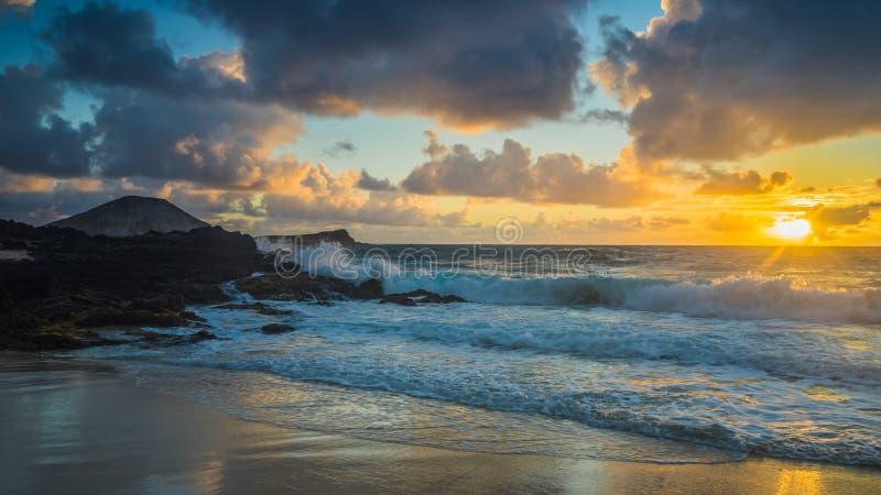 Nascer do sol em Havaí fotografia de stock