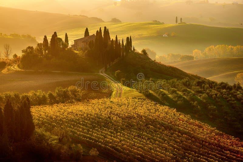 Nascer do sol em Italy imagens de stock