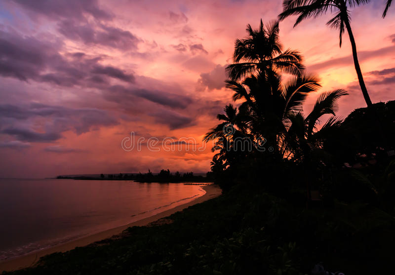 Nascer do sol em Oahu imagem de stock royalty free