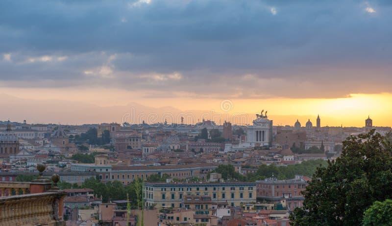 Nascer do sol em Roma foto de stock royalty free