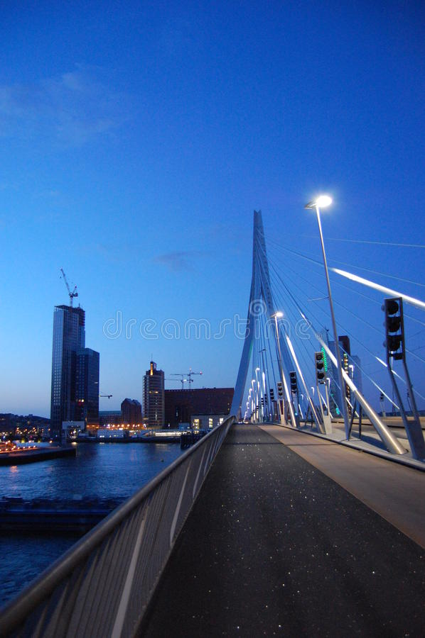 Nascer do sol em Rotterdam foto de stock