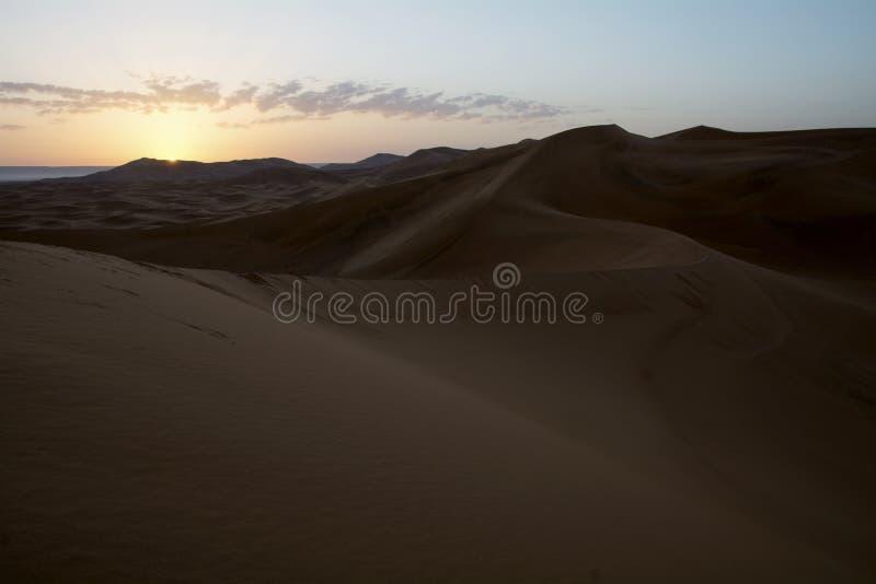 Nascer do sol em Sahara Desert, Marrocos marrocos África fotos de stock royalty free
