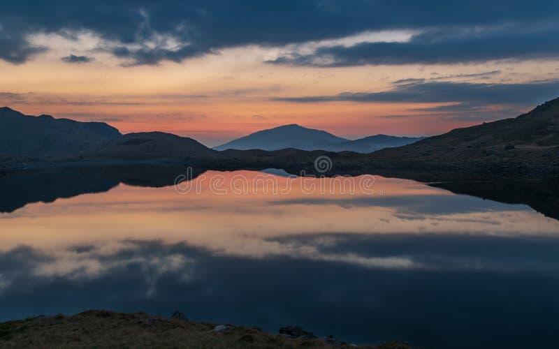 Nascer do sol em Snowdonia imagens de stock