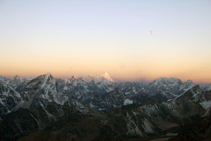 Nascer do sol Himalayan - Nepal imagem de stock royalty free