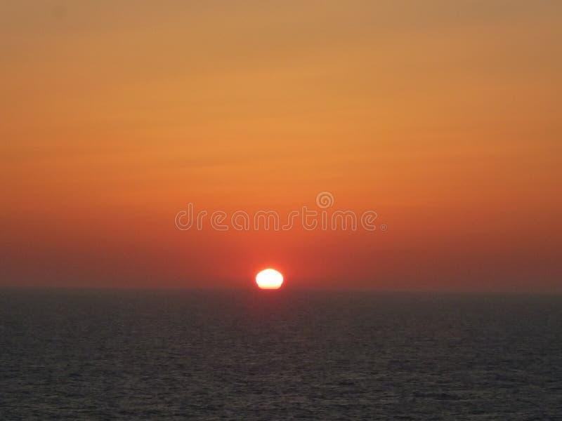 Nascer do sol do horizonte do oceano fotos de stock royalty free