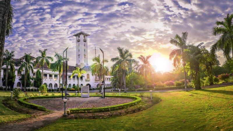 Nascer do sol IIT Kharagpur do museu de Nehru fotos de stock