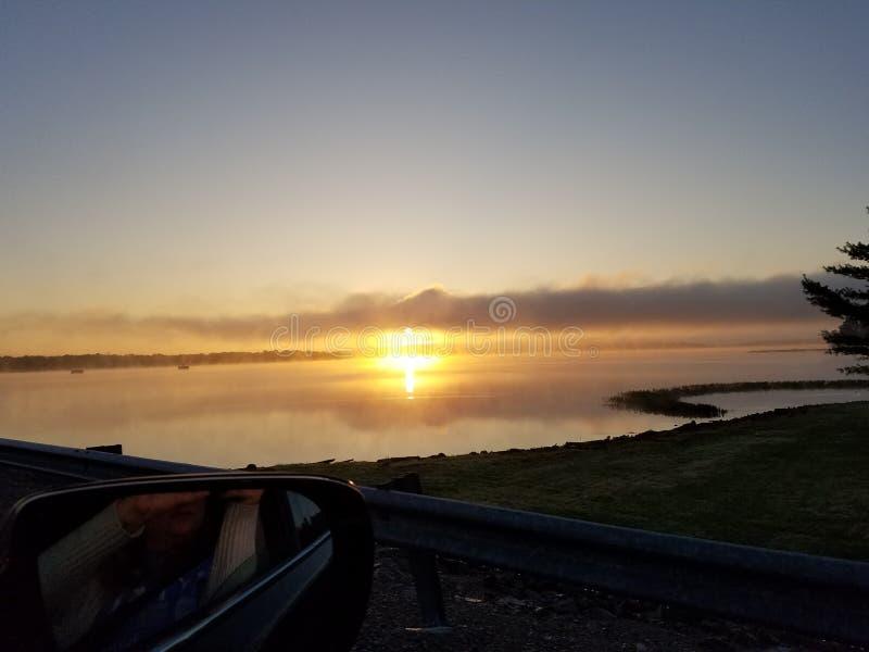 Nascer do sol do lago foto de stock