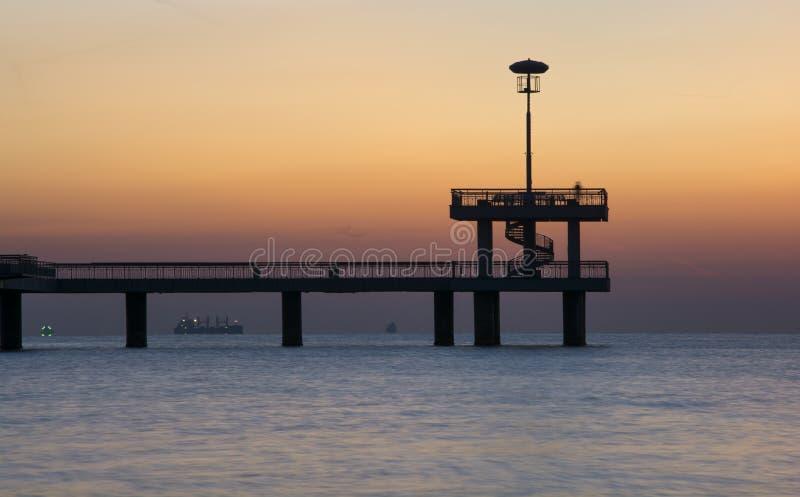 Nascer do sol magnífico na ponte de Bourgas fotografia de stock